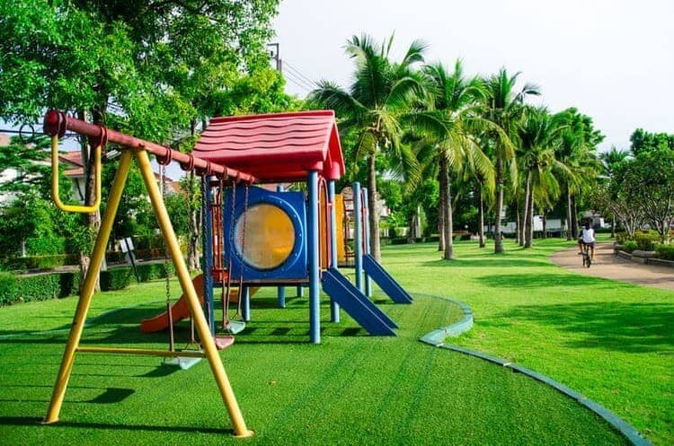 Synthetic grass for Kindergartens